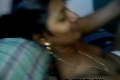 Tamil college girl Rani getting nude caught by BF oozed video