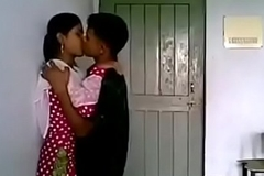 VID-20170724-PV0001-Thakurli (IM) Hindi 19 yrs old unmarried girl boobs sucked by her neighbor lover sex porn video