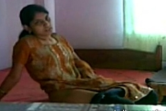 Geethu Careful Show Jerking Fucking Herself off with fingers plus moaning - indiansexygfs.com