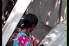 Bangla Bhabhi Bathing